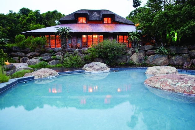 Insingizi game lodge