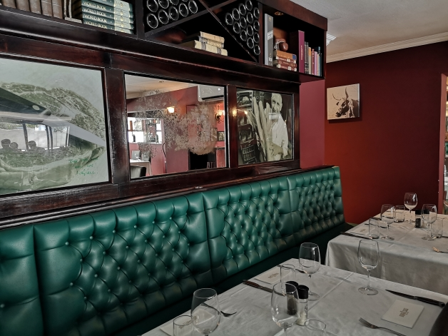 HUSSAR GRILL