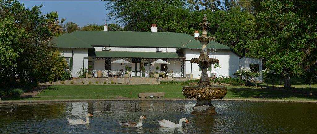 accommodation bloemfontain de oude kraal