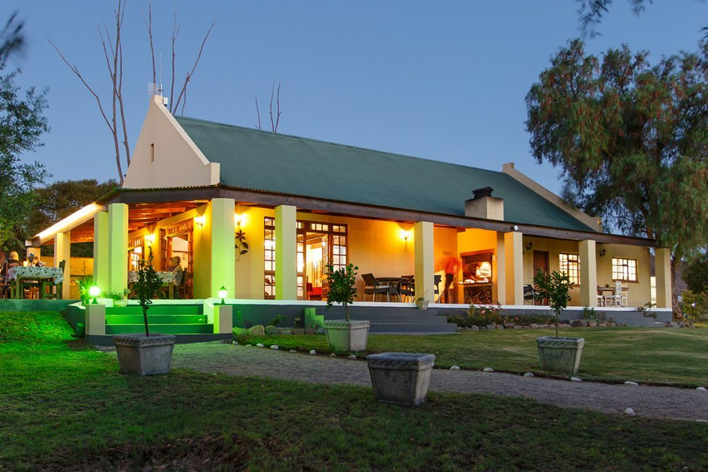 De Denne Country Guest House - Accommodation - Oudtshoorn