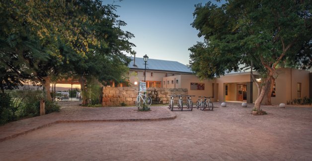De Zeekoe Guest Farm - Accommodation - Oudtshoorn