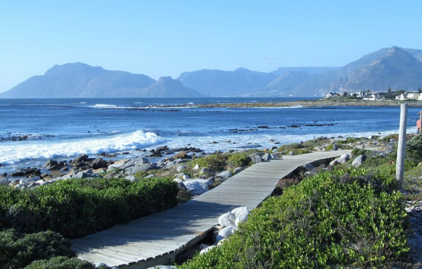 Top accommodation in Kommetjie