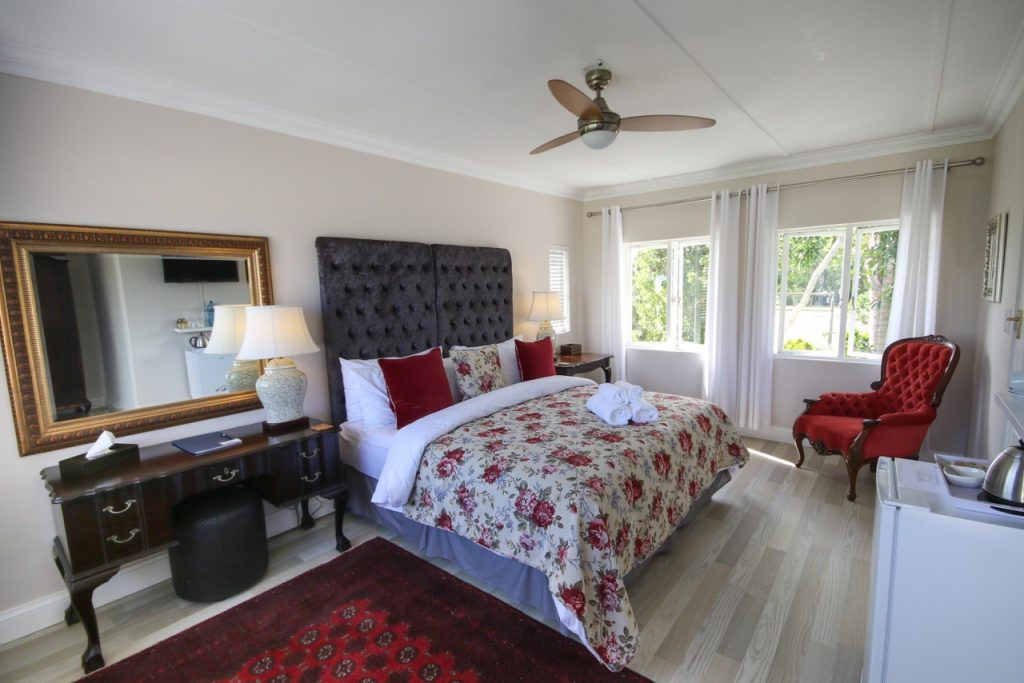 Elephant Country Guest House – Accommodation - The Crags