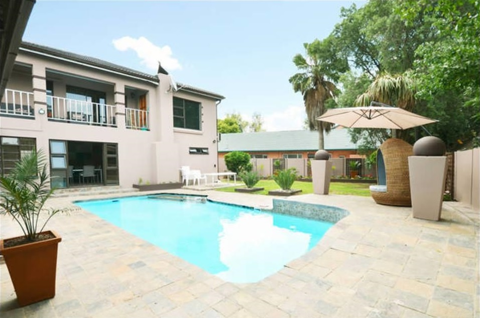 2Op Terblanche Guest House - Accommodation - Boksburg 1