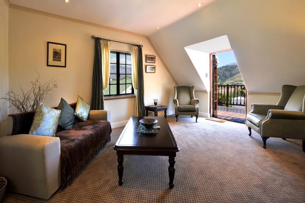 Gable Manor Guest House-accommodation -Franschhoek