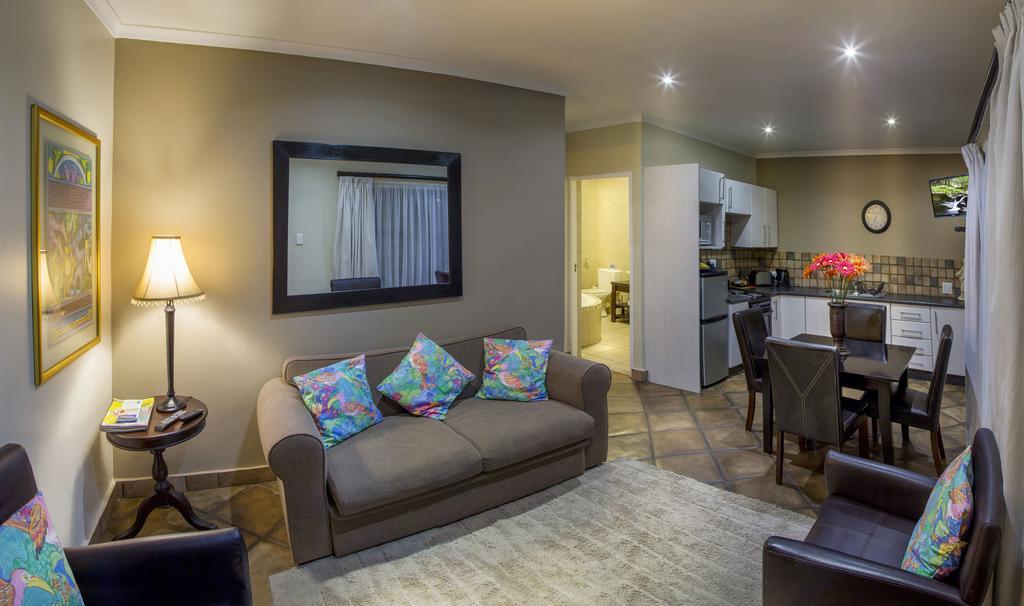 Lalapanzi Guest Lodge - Port Elizabeth