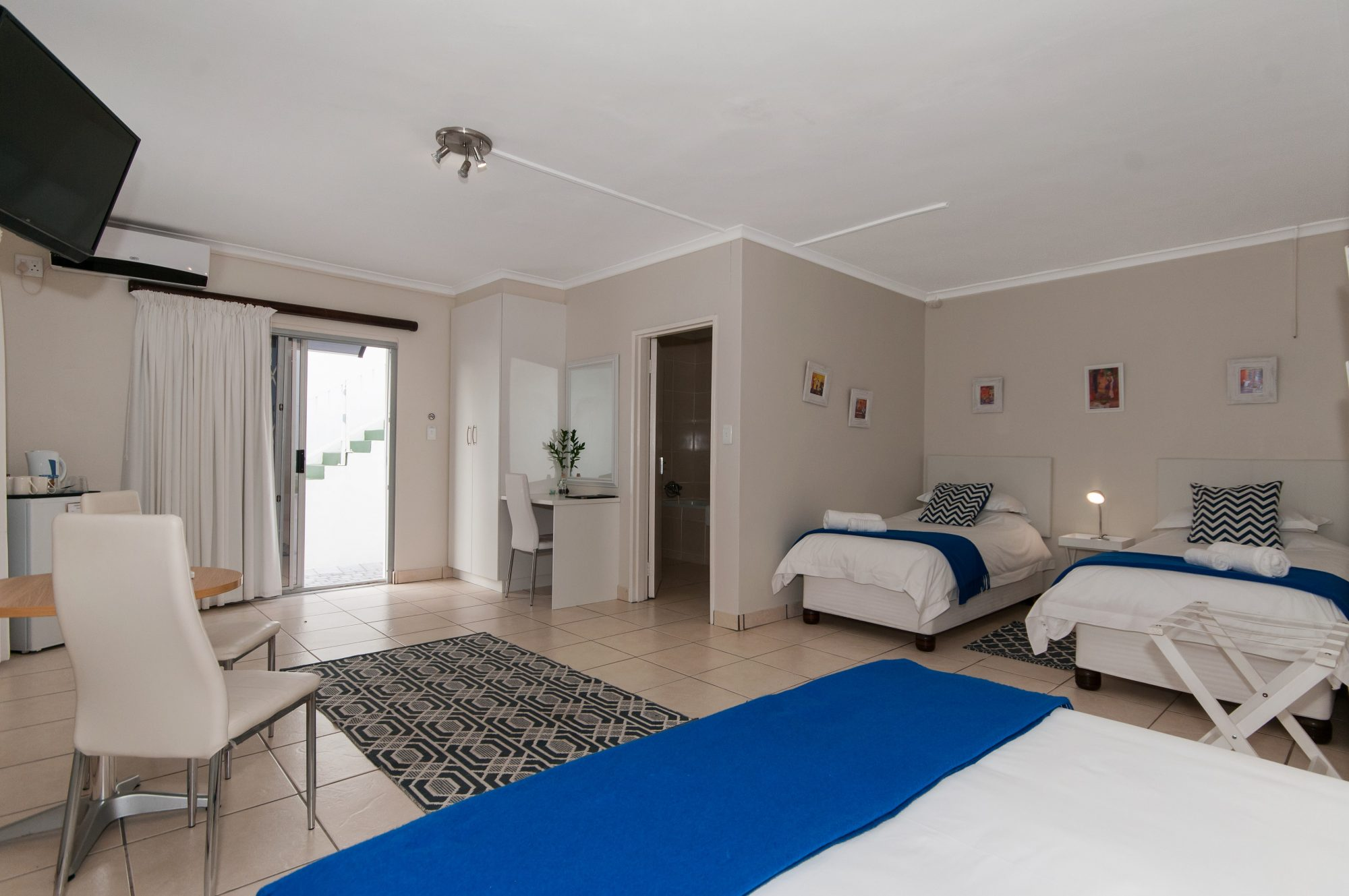 Millard Crescent Guest House - accommodation - Port Elizabeth 3