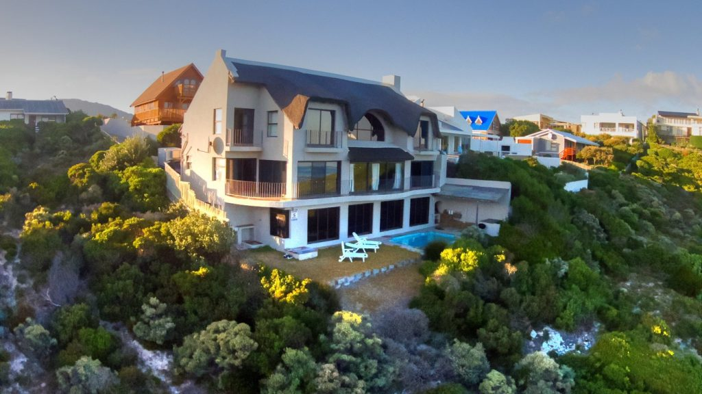 Top accommodation in Gansbaai, Gansbaai accommodation, tops