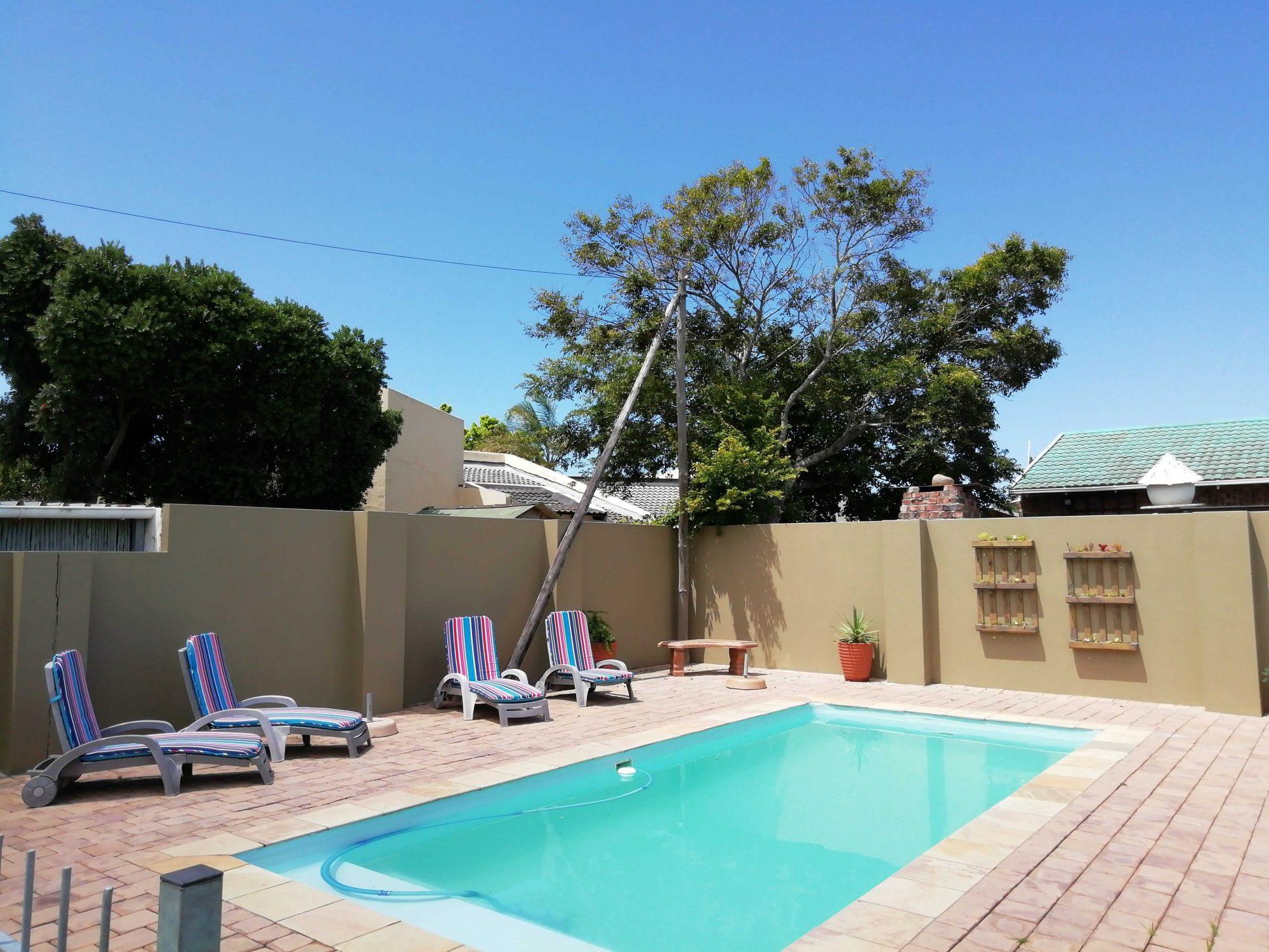 Apple @ J-Bay - Jeffrey's Bay - Eastern Cape