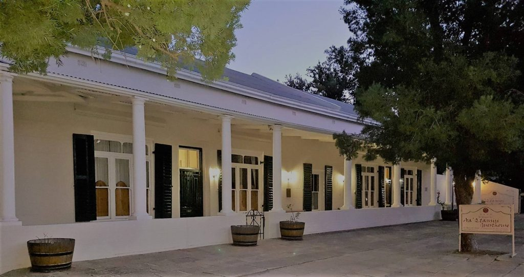 Aa'Qtansisi Guesthouse, Graaff-Reinet, Eastern Cape (6)